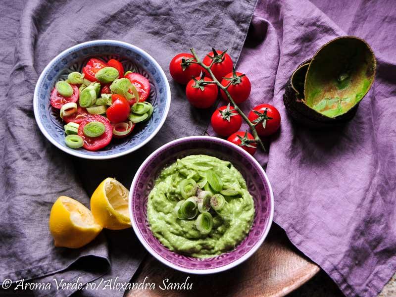 Guacamole cu praz si salata