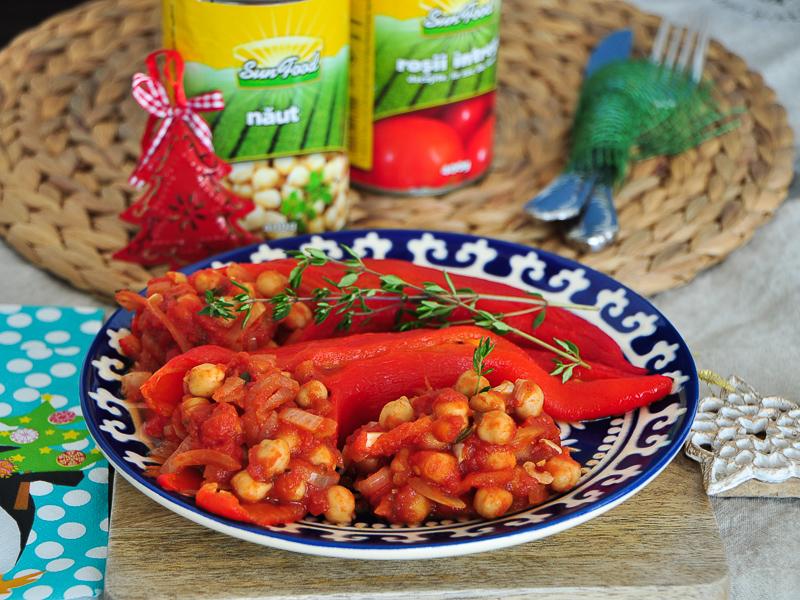 Ardei copți umpluți cu năut și roșii Sun Food