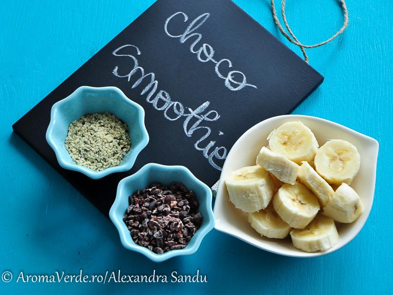 Cacao nibs, semințe cânepă decorticată, banane