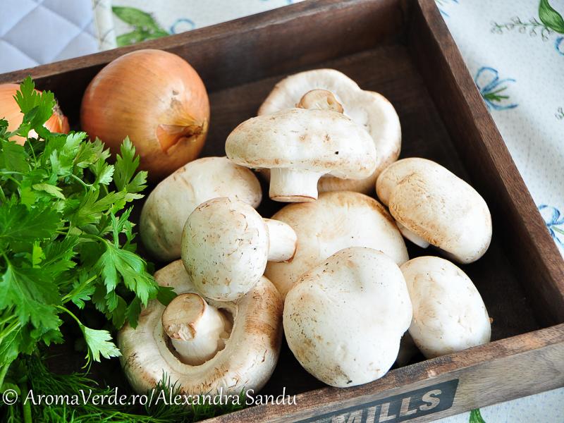 Ciuperci, ceapa, verdeata