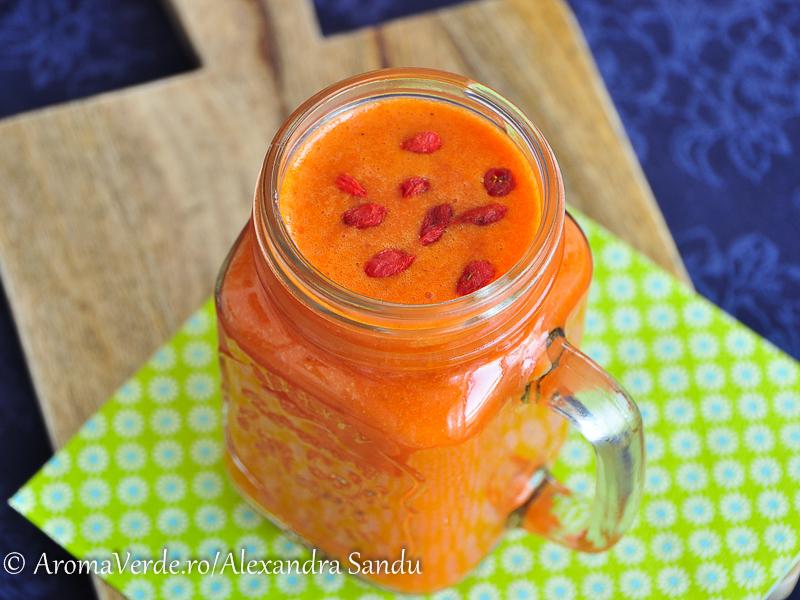 Suc din grapefruit, curmale, goji