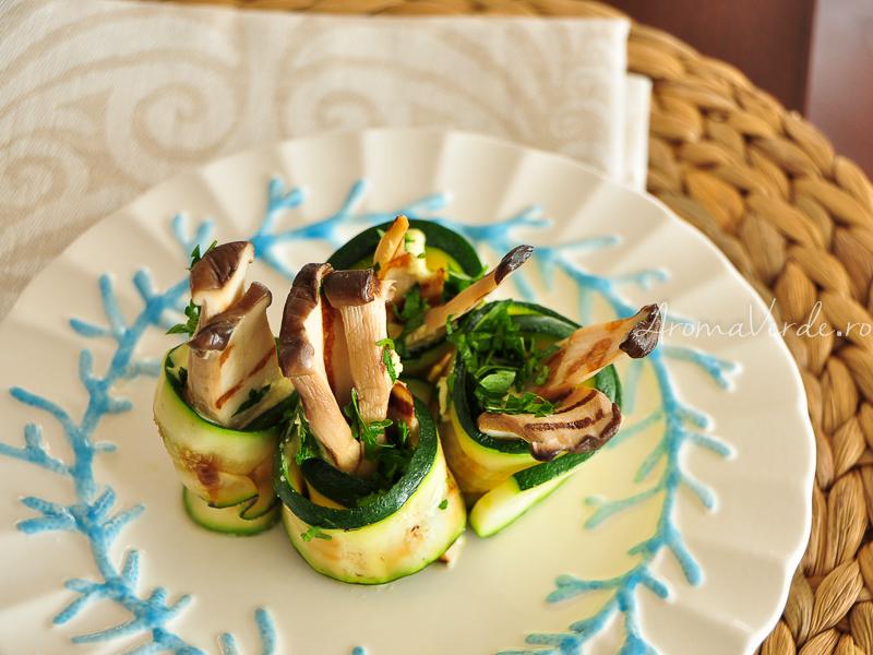 Rulouri de dovlecel cu ciuperci oyster si maioneza vegana