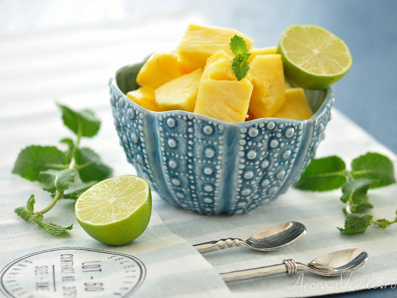 Ananas, mentă și lime