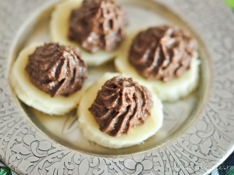 Cremă de ciocolată raw vegană