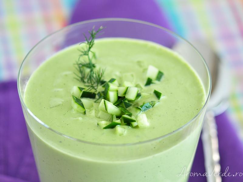 Supă de castraveți raw vegană