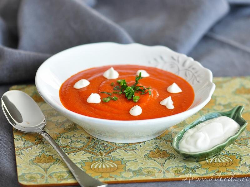 Supă de ardei copți
