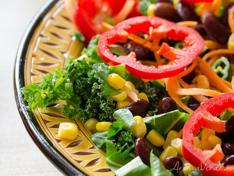 Salată colorată