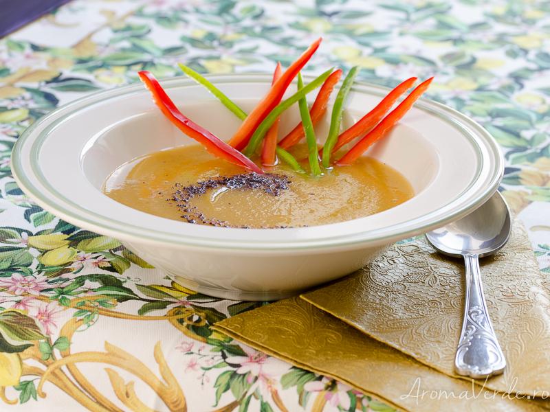 Supă cremă de cartofi dulci și dovlecel