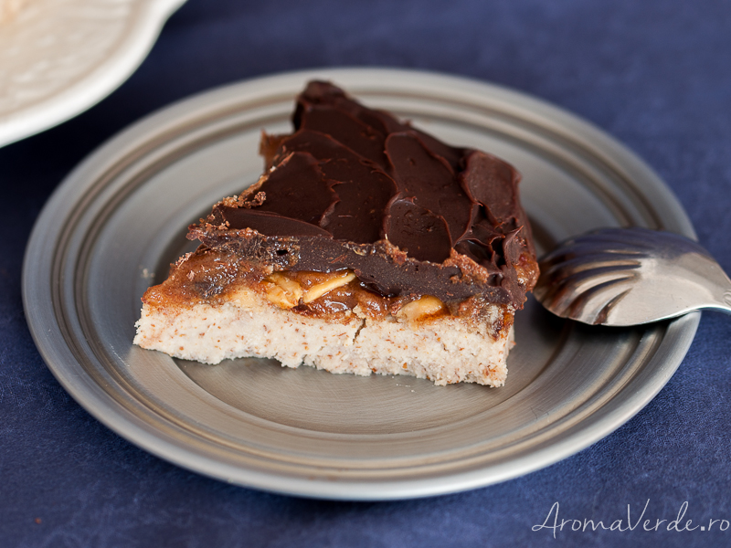 Tort raw Snickers 2