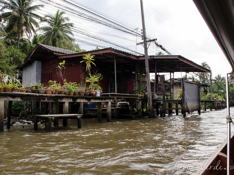 Casă la piața plutitoare
