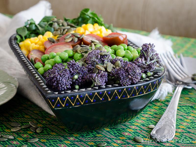 Salată cu broccolini și spanac