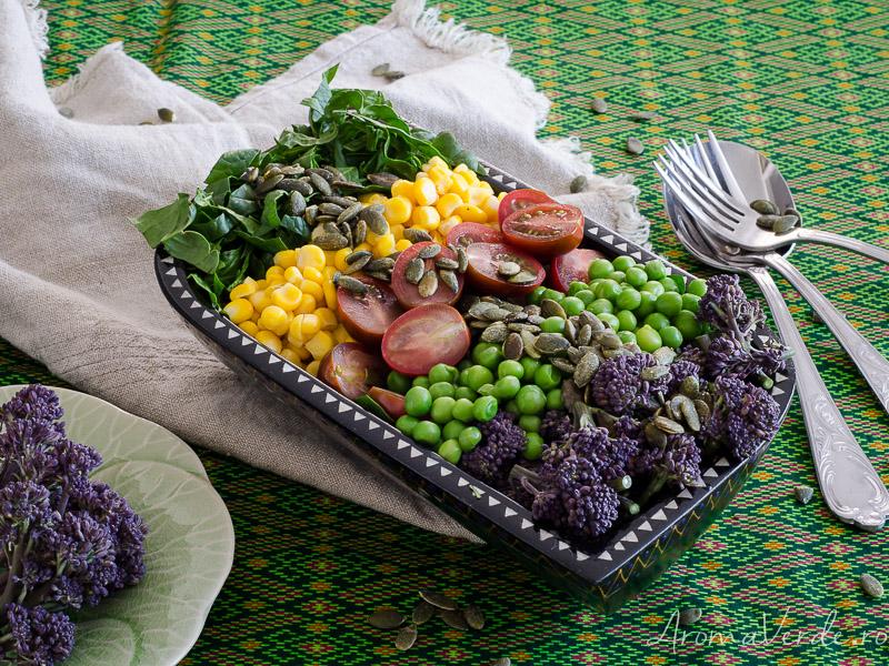 Salată cu broccolini
