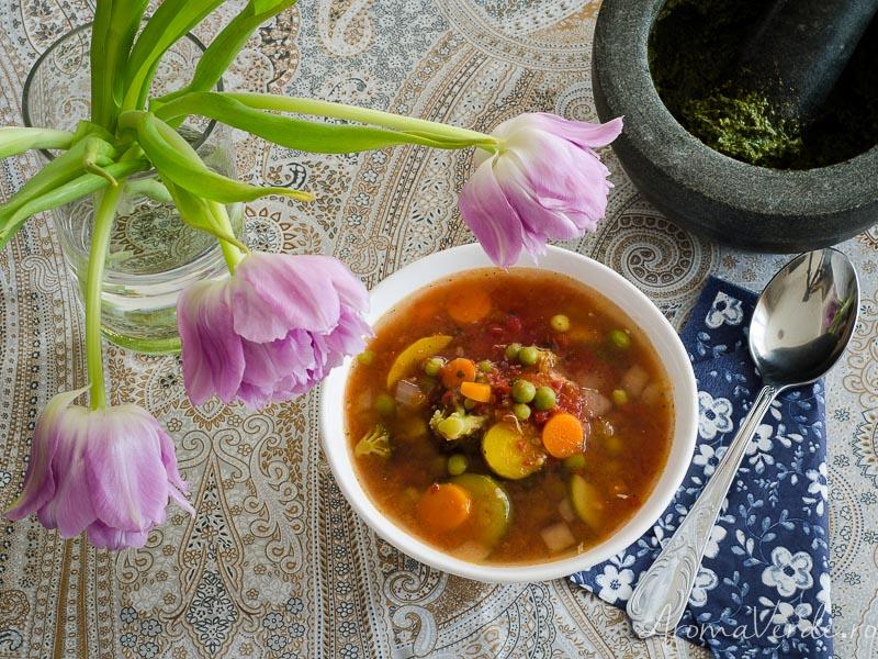 Supă de legume Minestrone
