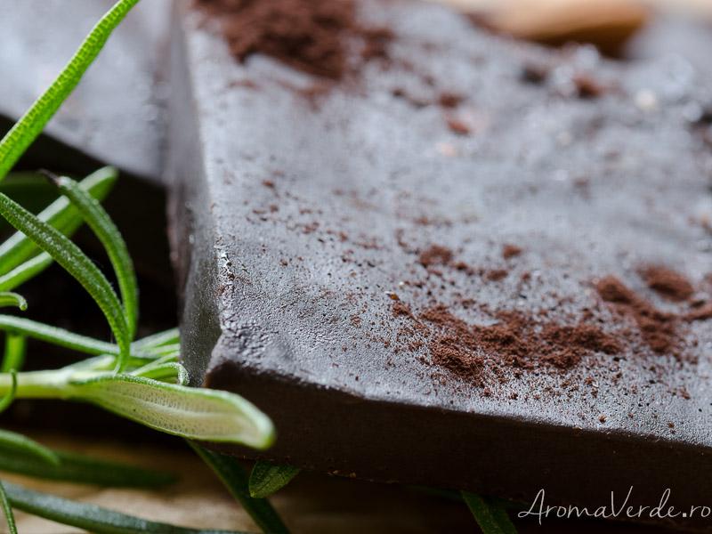 Ciocolată vegană cu rozmarin