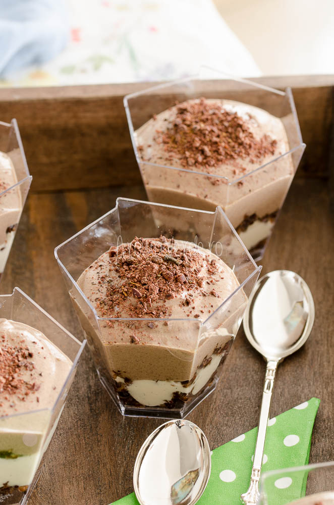 Cheesecake raw vegan cu ciocolată la pahar