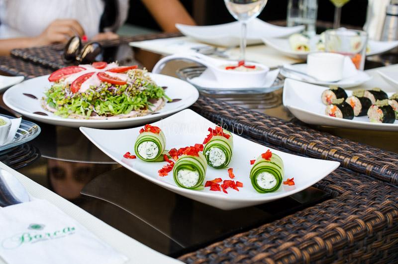 Cină vegană la restaurant Barca