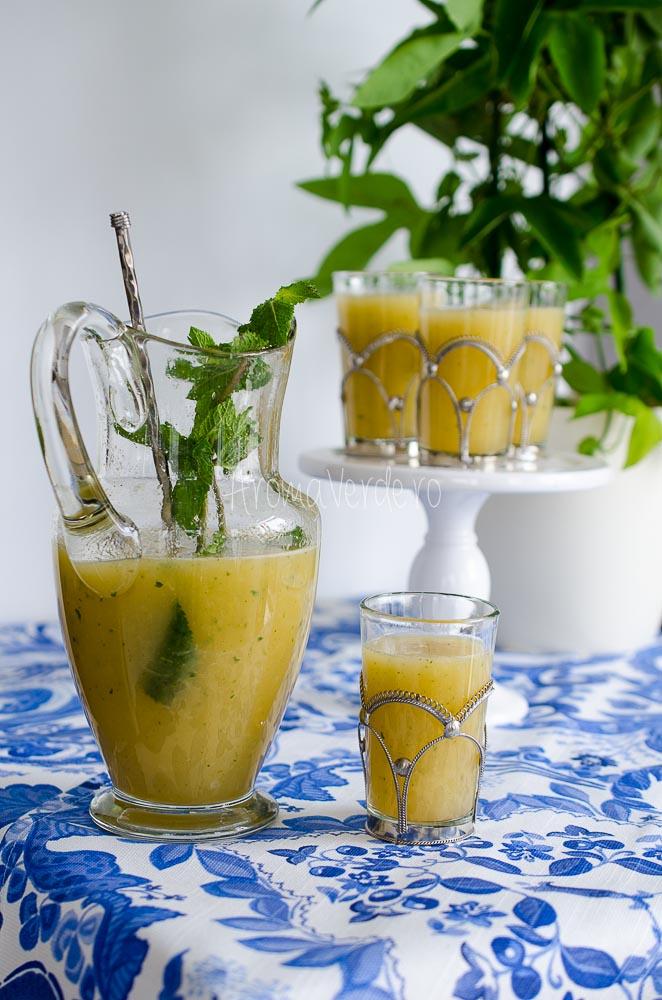 Limonadă cu pepene galben, mentă și lime