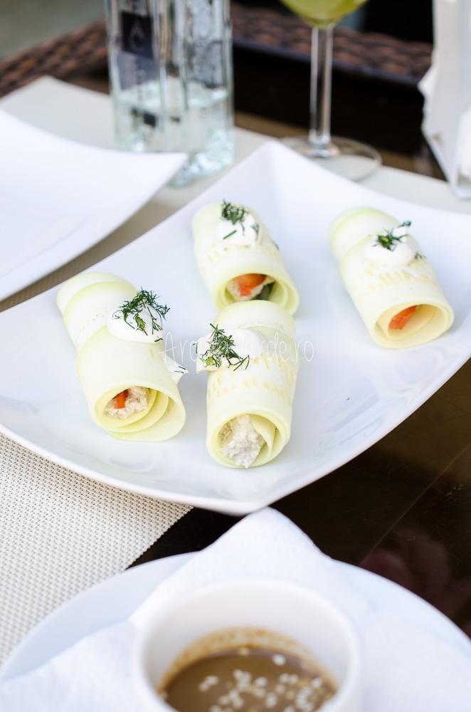 Rulouri dovlecel cu brânză din semințe de floarea soarelui