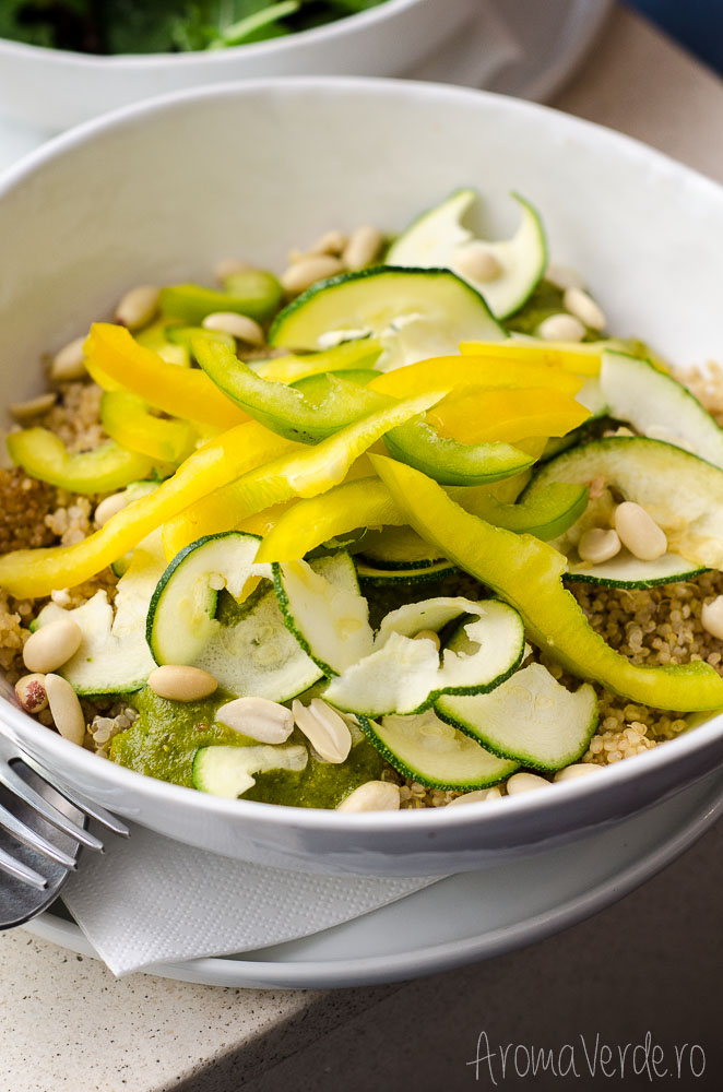 daluma-restaurant-quinoa-with-avocado-peanuts-topping