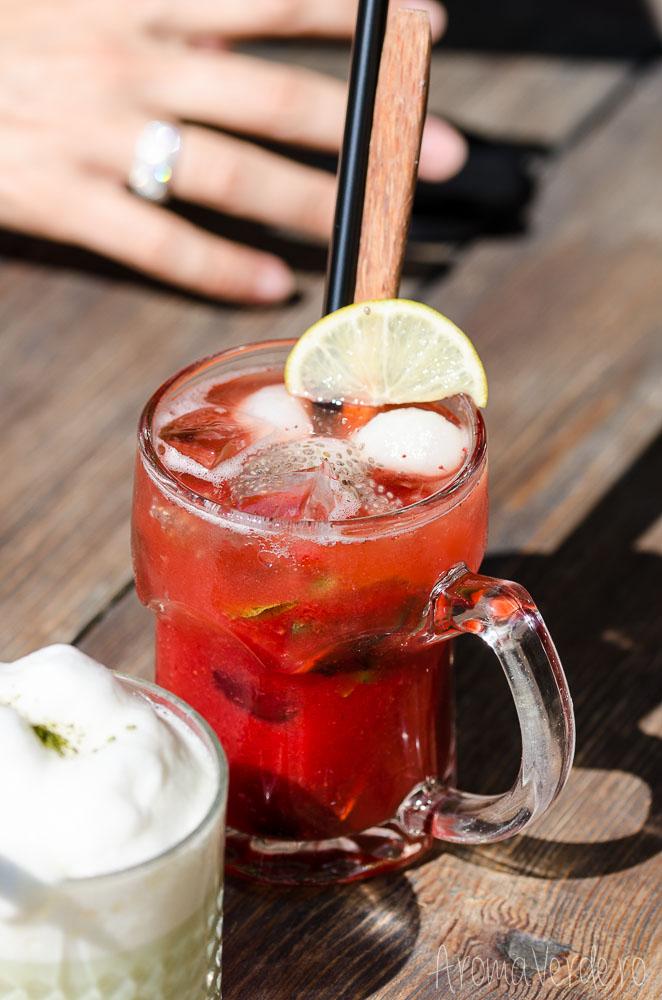 umami-restaurant-strawberry-drink