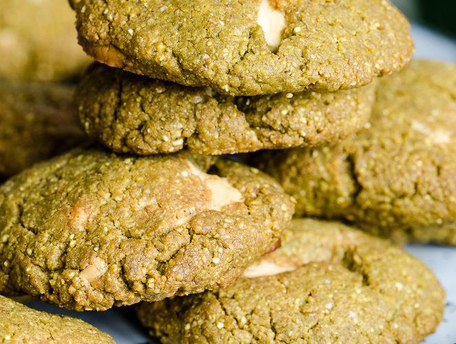 Biscuiți vegani cu pudră matcha